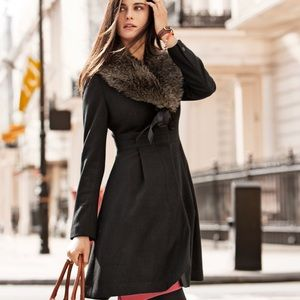 H&M Black Coat Faux Fur Collar